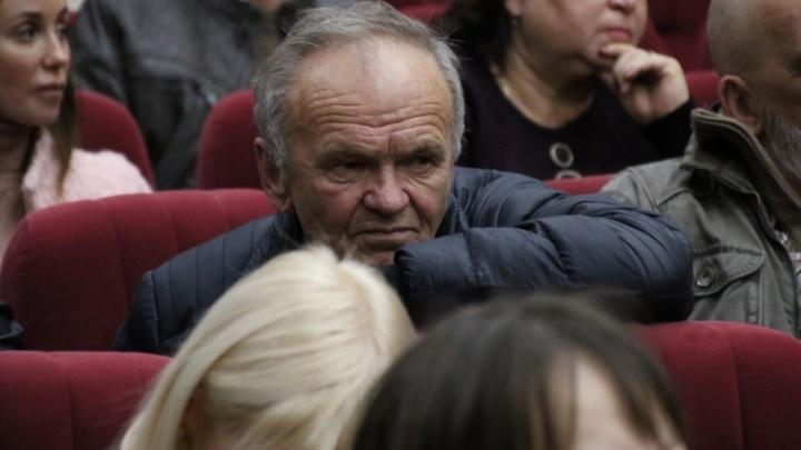 «Вы нам не помогаете, мы теперь бомжи!»: ростовские погорельцы и чиновники договориться не смогли