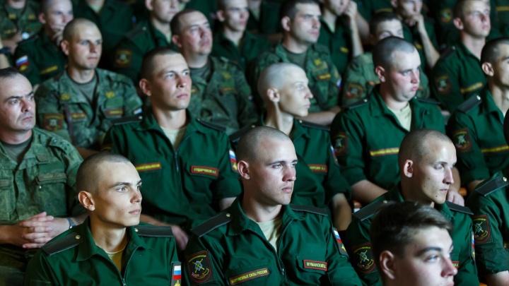 «Юношу и так бы не призвали»: экс-сотрудника волгоградского военкомата отправили в колонию