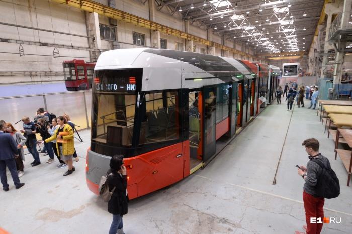 Новый трамвай очень длинный — 27,8 метра