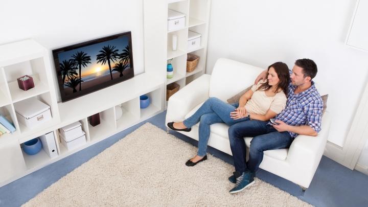 Вашу маму и там, и тут показывают: у уральцев появилась возможность смотреть ТВ на пяти гаджетах