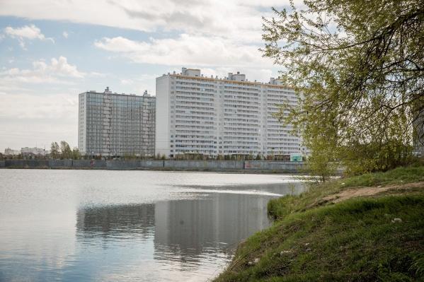 На Забалуева построили первые дома жилмассива «Радуга Сибири» — всего их будет восемь