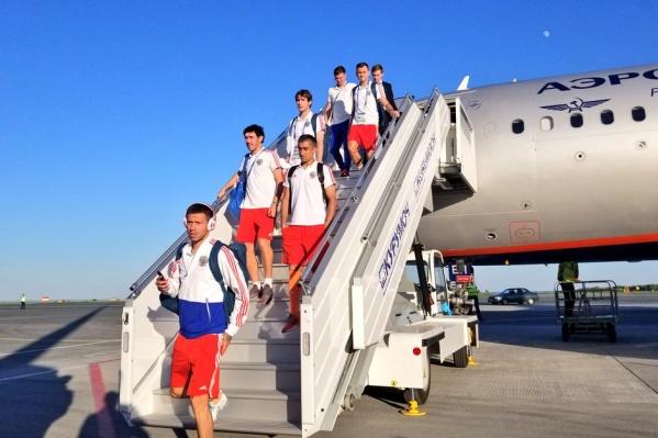 Спортсмены одеты в цвета российского флага