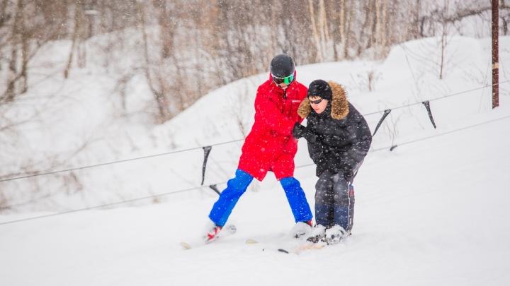 «Я был в восторге»: незрячий новосибирец съехал с горы на лыжах