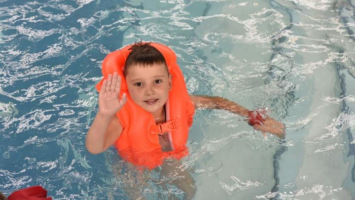 Чтобы окунулся в учебу с головой: где школьникам отдохнуть и поплавать в последний месяц каникул