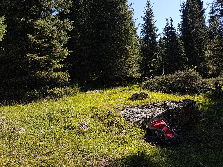 Природа в горах предстает перед туристами в первозданном виде. Можно разбить палатку в любом удобном месте