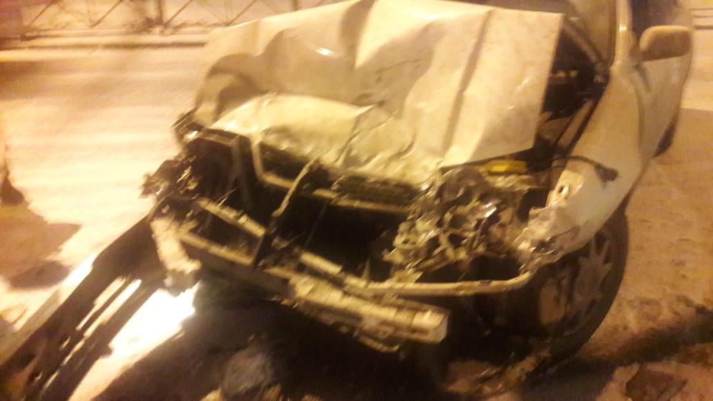 «Тойота» получила сильные повреждения передней части