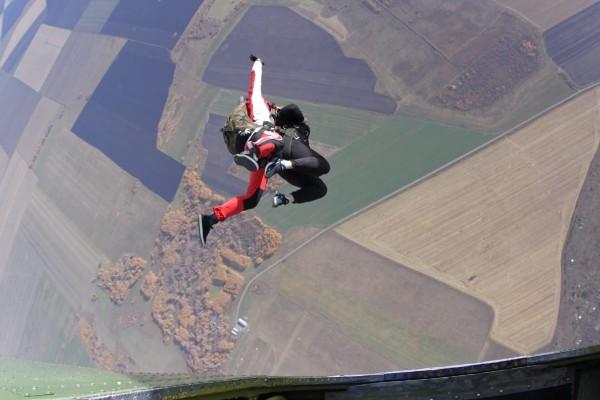 Худели, прыгали с парашютом, кормили диких енотов: что читатели E1.RU сделали впервые в 2019 году