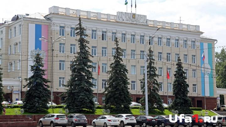 «Этот бордюр снесут после первой же зимы»: в мэрии раскритиковали ремонт двора в Советском районе