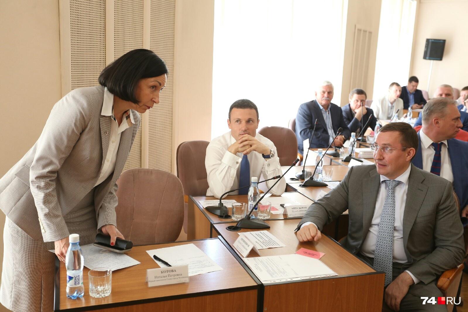 Наталья Котова — не загадка для депутатов. Все вместе работают не первый год
