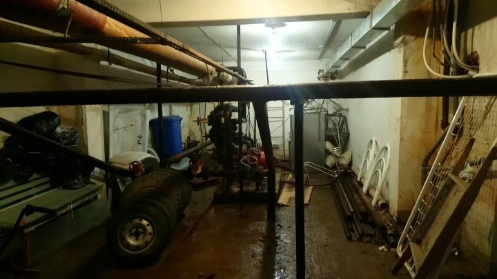 Больше не затопленная. Из подвала пермской детской больницы с трещиной в стене откачали воду