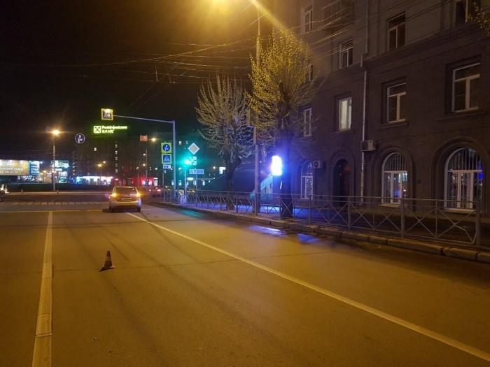 В результате столкновения новосибирец попал в больницу, а у машины серьёзные повреждения