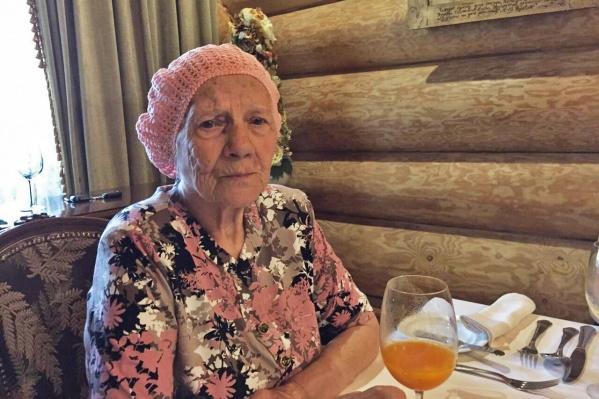 До этого Марии Каштановой отказали в возможности принять участие в параде, сославшись на нехватку мест и некие квоты