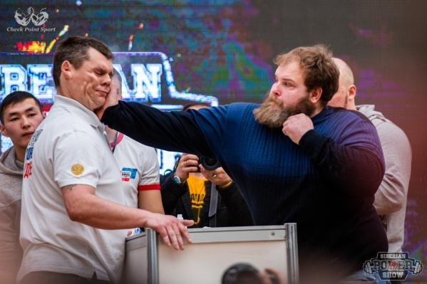 Василий Камоцкий (справа) обычно даже не дерется
