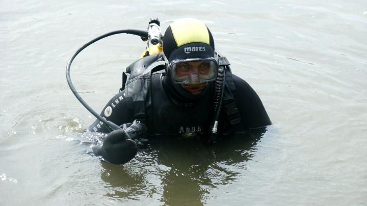 Мальчик уже не дышал: на неаттестованном пляже в Зауралье водолазы спасли тонущего подростка