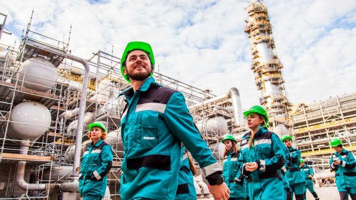 Тюмень накрыл Skibidi Challenge: смотрим, как нефтяники и кассиры отжигают прямо на рабочем месте
