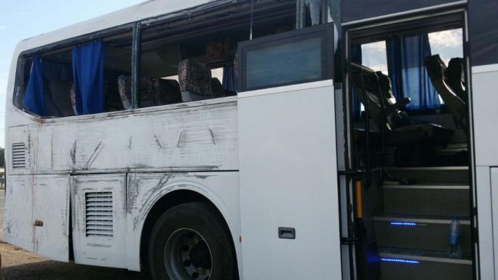 В Уфе рейсовый автобус в Казань врезался в столб: пострадали четыре пассажира