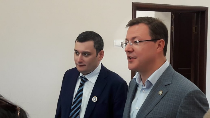 Азаров предложил Хинштейну стать депутатом Госдумы от Самарской области