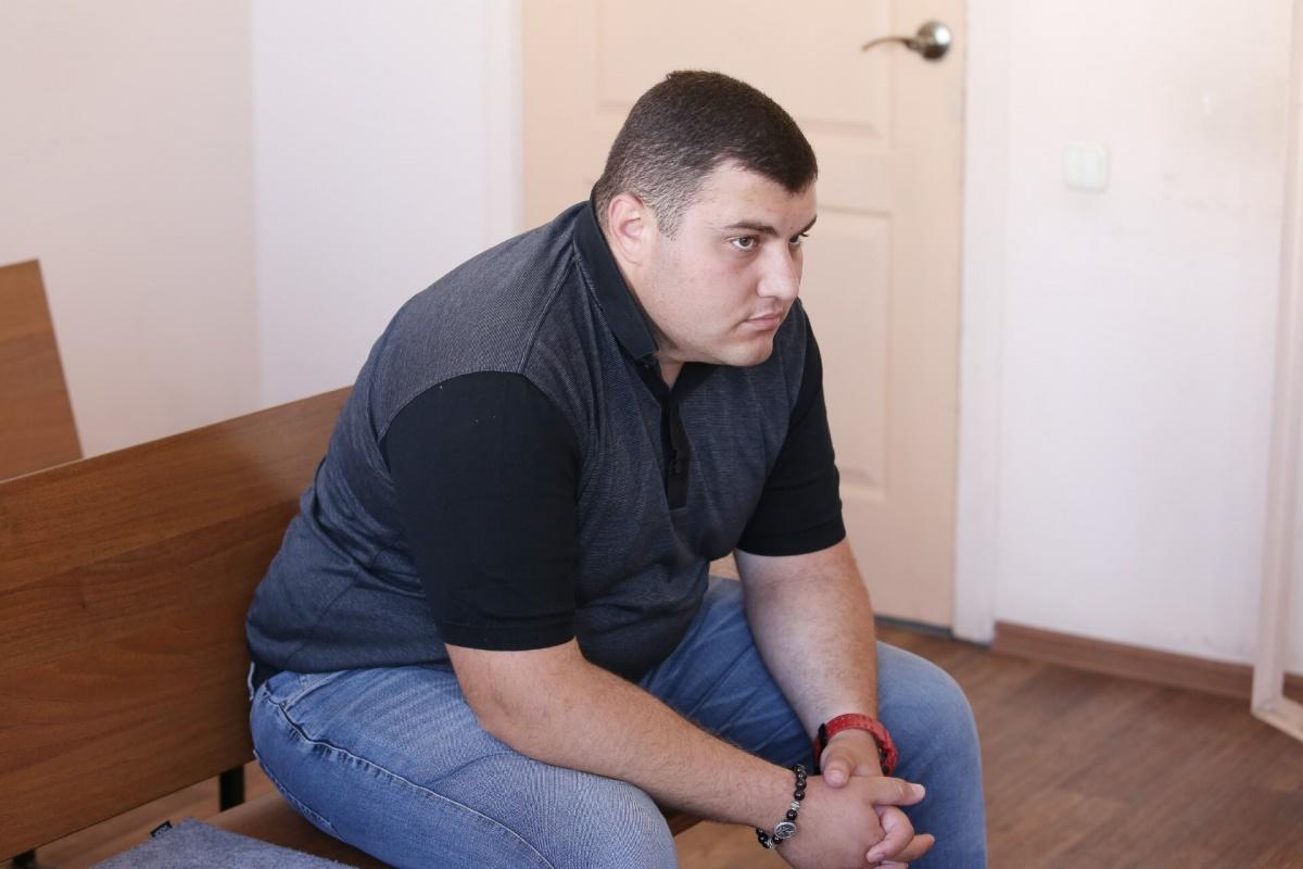 Аветик Авоян избежал уголовной ответственности и лишения прав на три года