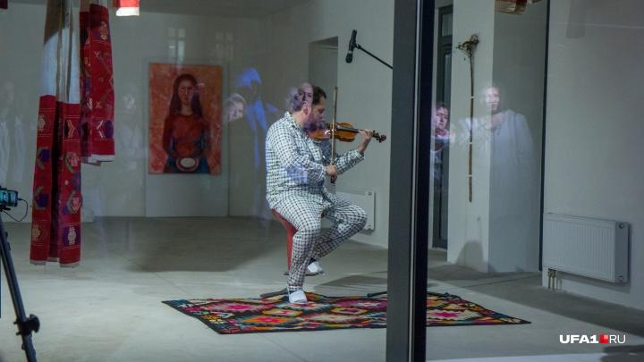 Музыкант, который неделю голодал во имя башкирского фольклора, похудел на 11 килограммов