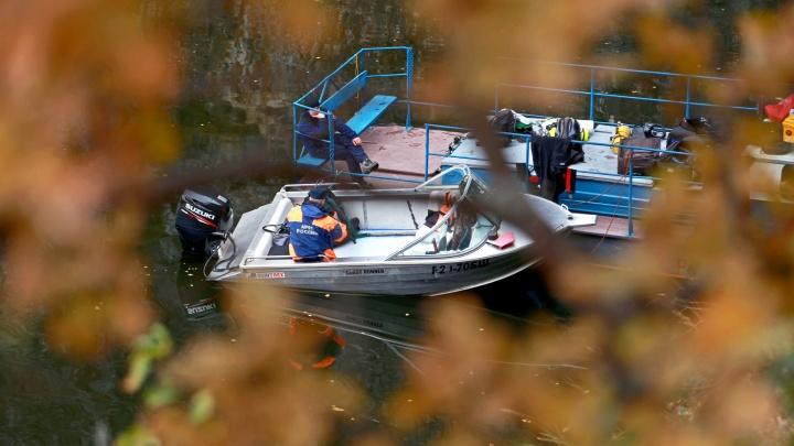 Ушел проверять сети и пропал: водолазы подняли со дна тело рыбака