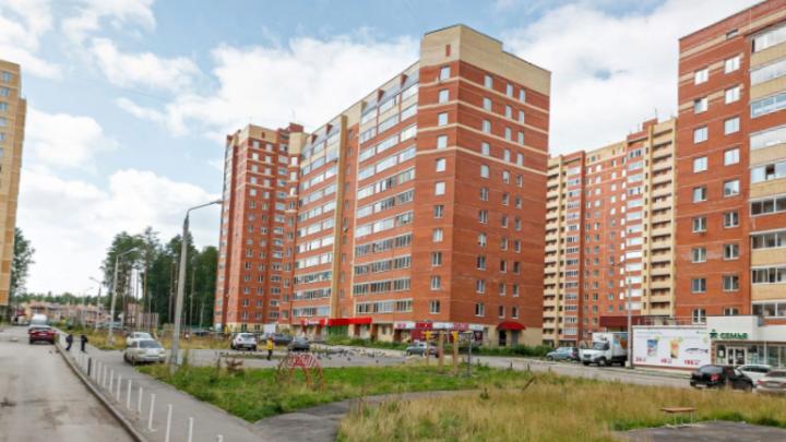 «Эксплуатация труб опасна»: в Перми 14 новостроек и детсад на месяц остались без горячей воды