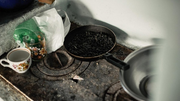 Затопила печь и ушла: в Челябинской области завели уголовное дело на мать погибшего на пожаре малыша