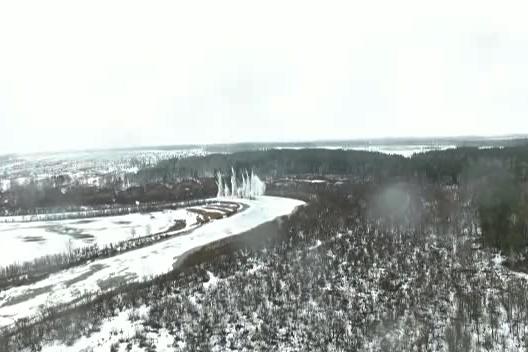 Видео: лёд на реке под Новосибирском уничтожили взрывчаткой