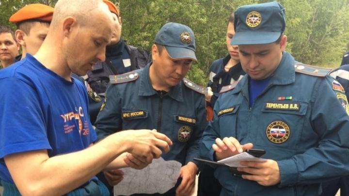 Потерявшуюся в Свердловской области бабушку с 8-летним внуком нашли в домике на пасеке