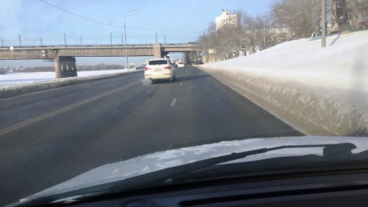 Разгреби мою дорогу: куда обращаться, если проезжую часть не очищают от снега