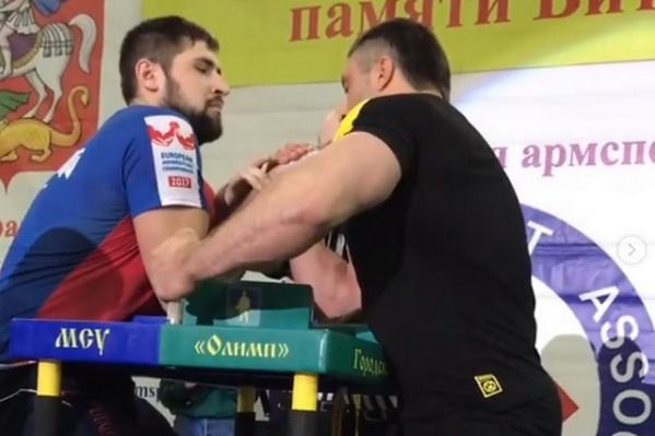 Виталий Лалетин выступает в категории мужчин свыше 100 кг