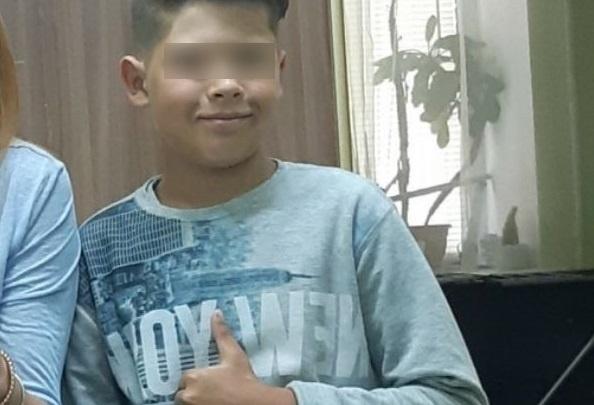 «Ушёл с незнакомыми ребятами». В Тюмени 12-летний мальчик не вернулся домой с прогулки во дворе