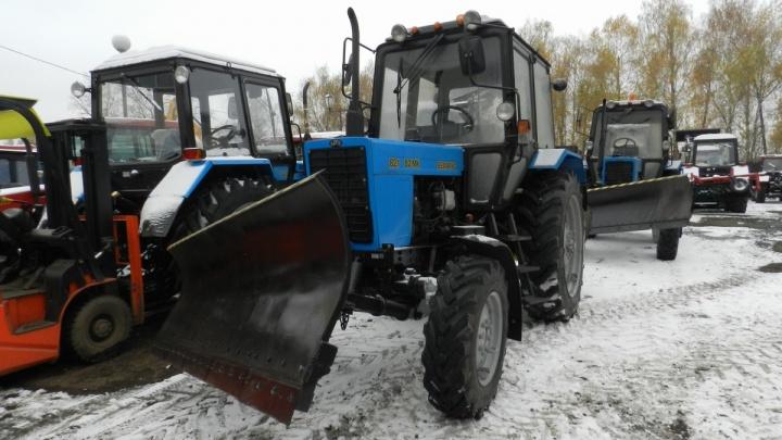 Красноярцам рассказали, какой трактор лучше покупать для коммунального предприятия