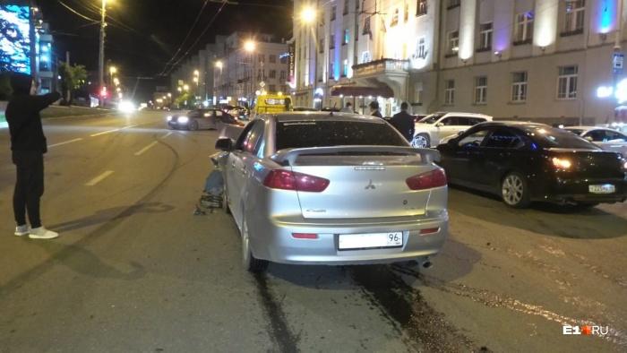 В машинах были и пассажиры, но, к счастью, никто не пострадал