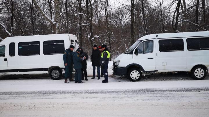 Пострадали в погоне за пассажирами: в Уфе столкнулись две маршрутки