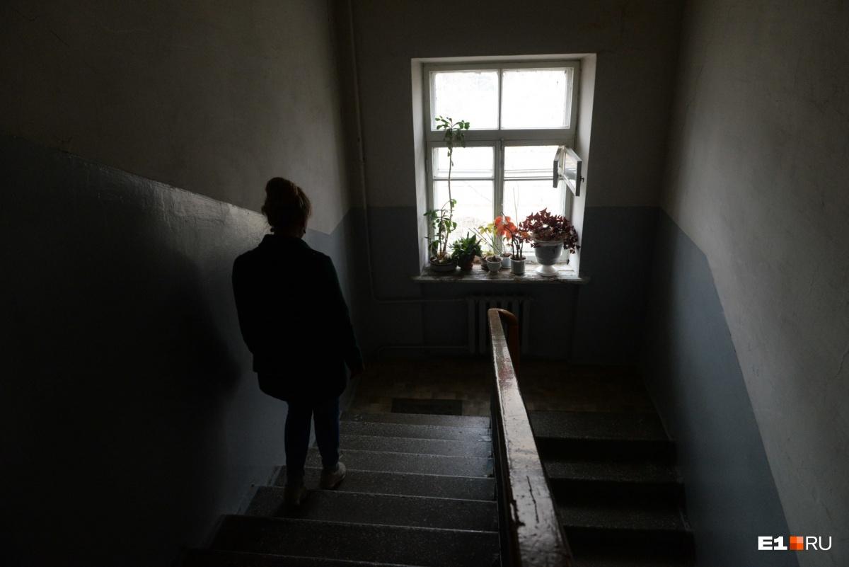 В подъездах тишина и пустота — двери нам практически никто не открыл