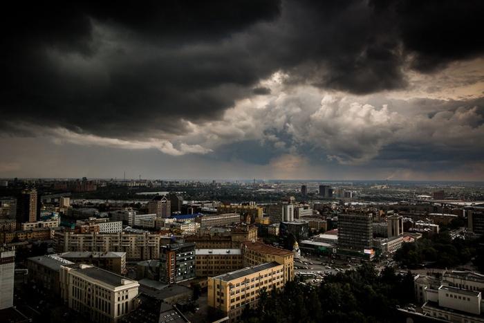 К Новосибирску идут порывистый ветер и дождь