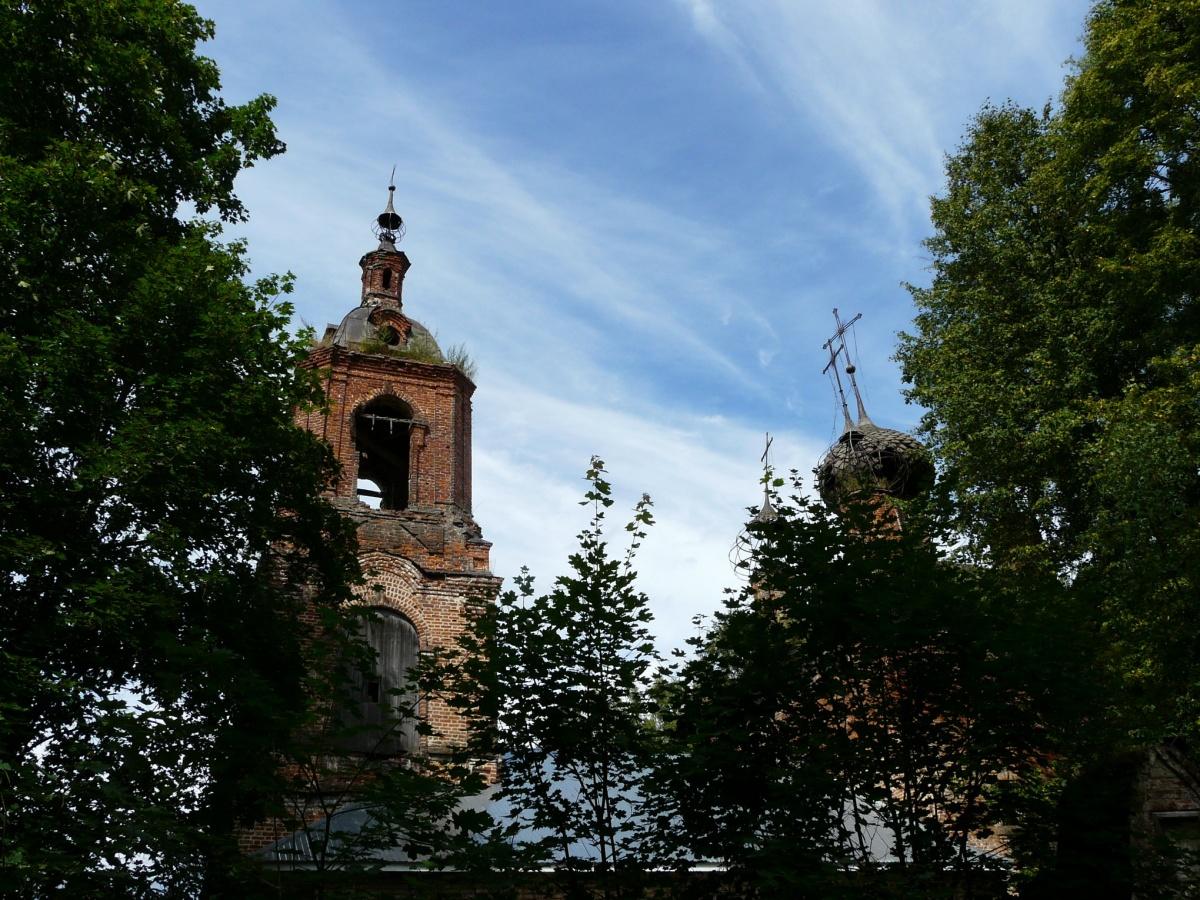 Сейчас старинная церковь в полуразрушенном состоянии