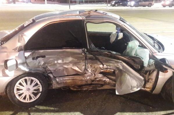Авария произошла из-за того, что один водитель не уступил дорогу другому