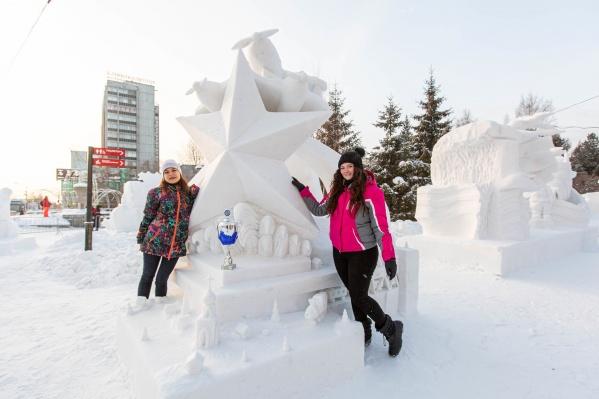 В ХХ юбилейном фестивале снежных скульптур приняли участие 15 команд из 3 стран мира