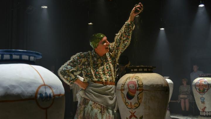 Квантовая физика и неистовство: пановцы открыли сезон экзистенциальным шоу по Салтыкову-Щедрину