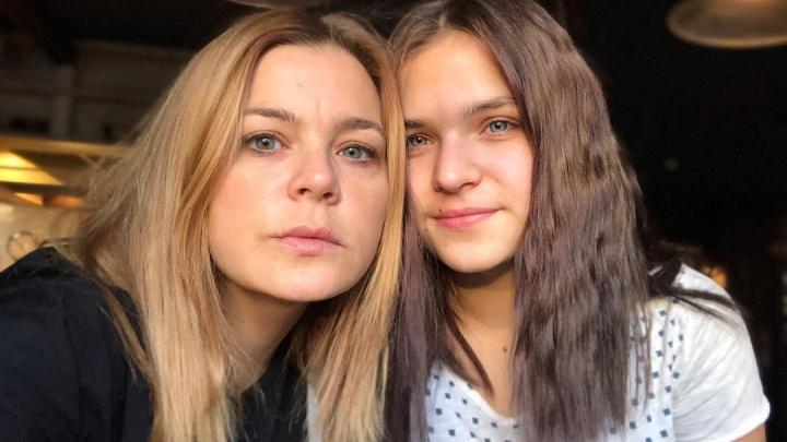 Ирина Пегова выложила фото с дочерью. Поклонники подумали, что это её сестра