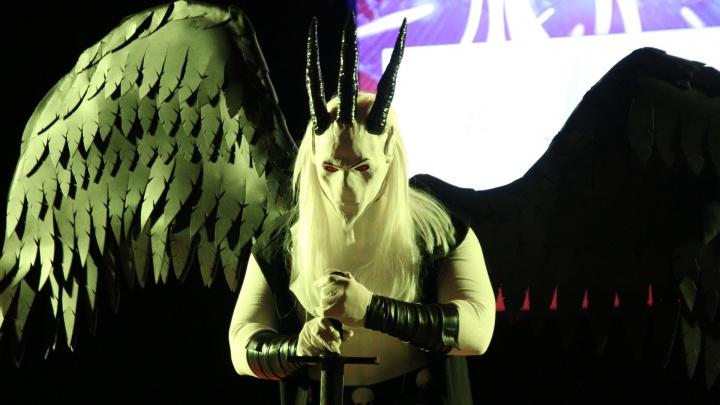 С телефоном на голове, рогами и третьим глазом: в Самаре прошел крупный косплей-фестиваль