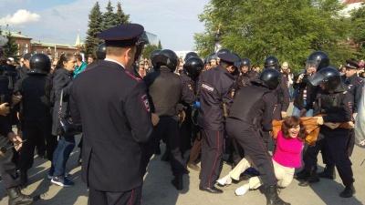 «Палки специальные» и выстрелы в толпу: чего бояться, а чего нет на политических митингах