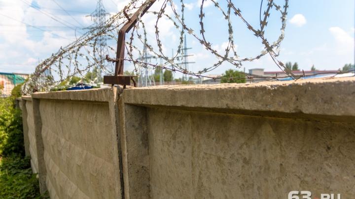 «Деньги передали на базе отдыха»: в Самаре сотрудника колонии подозревают во взятке