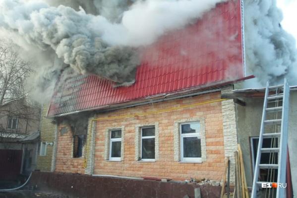 Сообщение о пожаре поступило в дежурную часть в 09:40