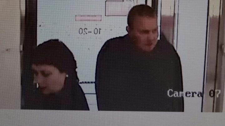 На Эльмаше пьяный мужчина ограбил ювелирный магазин
