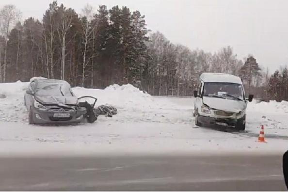 Очевидцы сообщили, что авария произошла сразу после заправки около Боровского