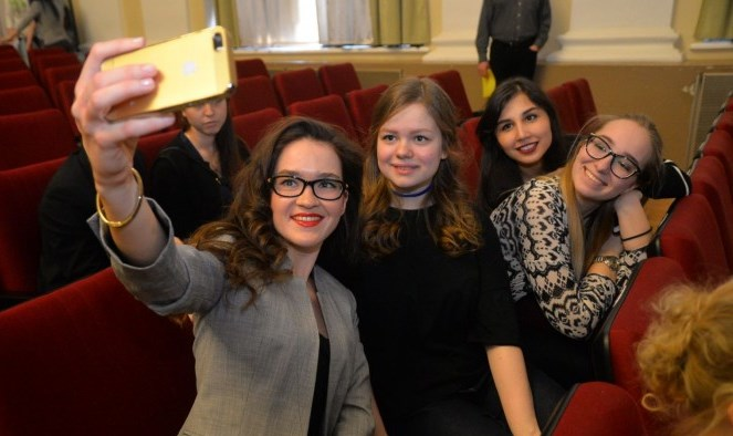 Померятся интеллектом: в Екатеринбурге выберут самую умную девушку