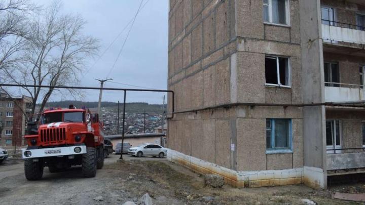 Вылетели окна, квартира загорелась: в пятиэтажке на Южном Урале произошёл взрыв из-за утечки газа