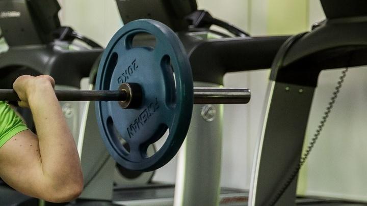 В новосибирском фитнес-клубе нашли полкилограмма запрещённых биодобавок
